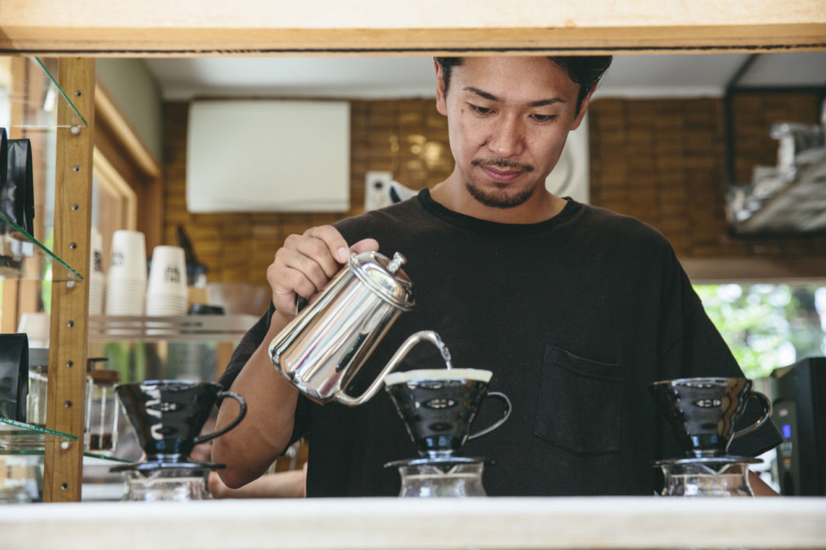 Onibus Coffee, Community-centric coffee shop that values sustainability